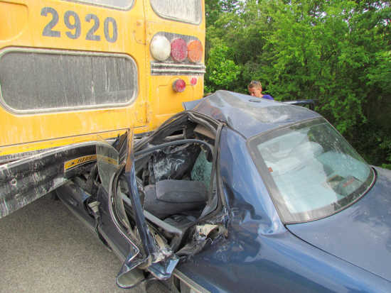 Local News: BREAKING NEWS: Bloomfield school bus accident (5