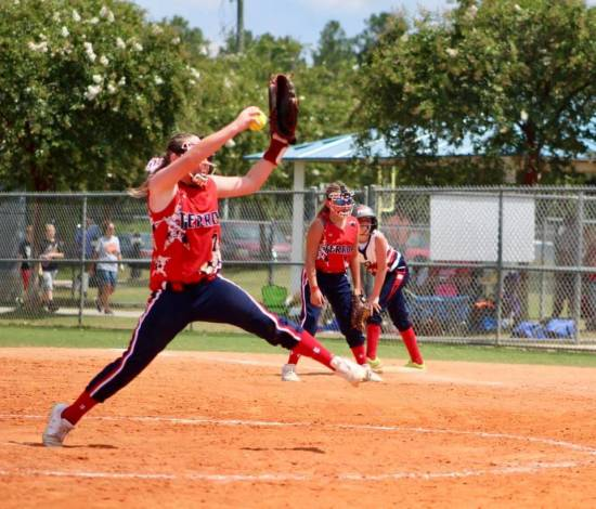 High School Sports: Linton girl stands out for Indiana